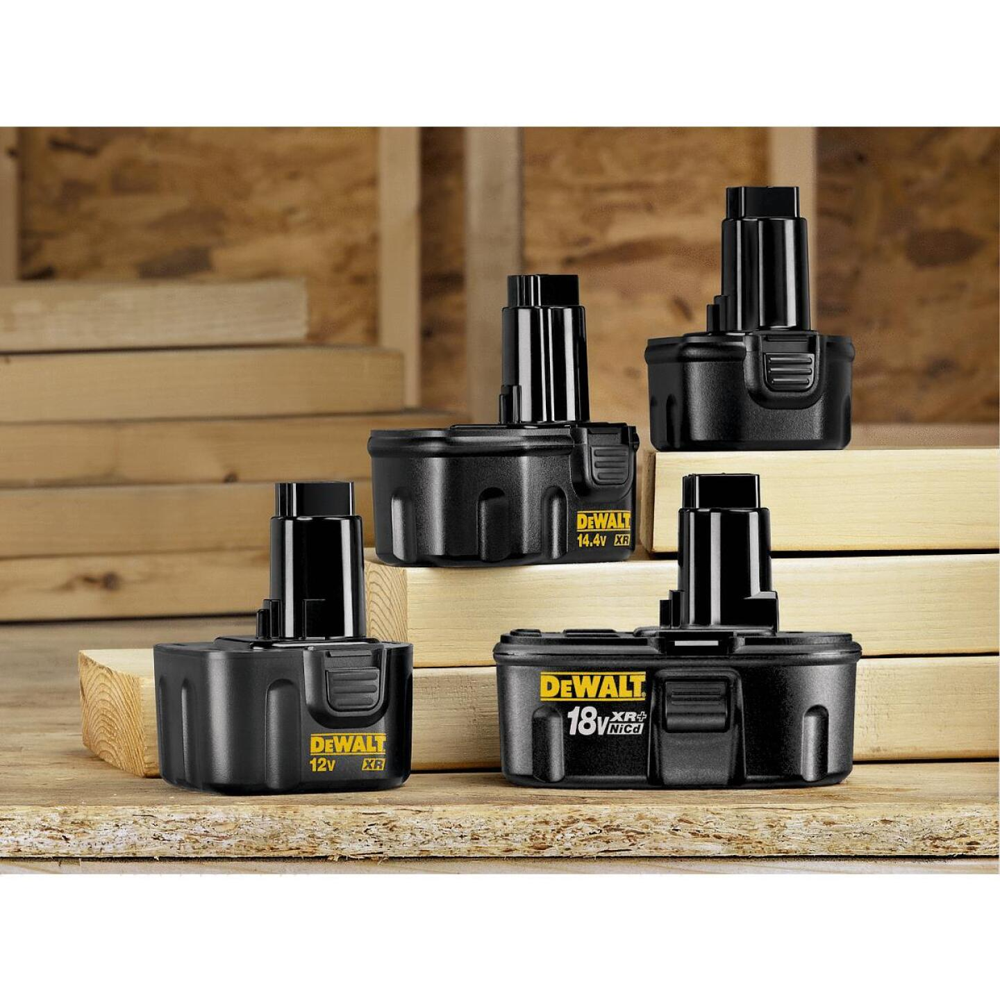DeWalt 9.6 Volt XR Nickel-Cadmium 1.7 Ah Tool Battery Image 2